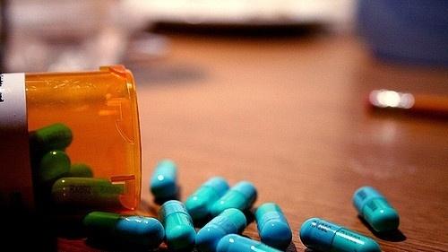 39062394-pills-drugs-jpg