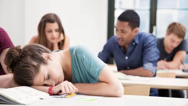 US-Teens-sleeping